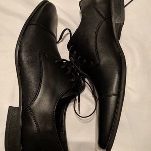 BRAND NEW Calvin Klein dress shoes
